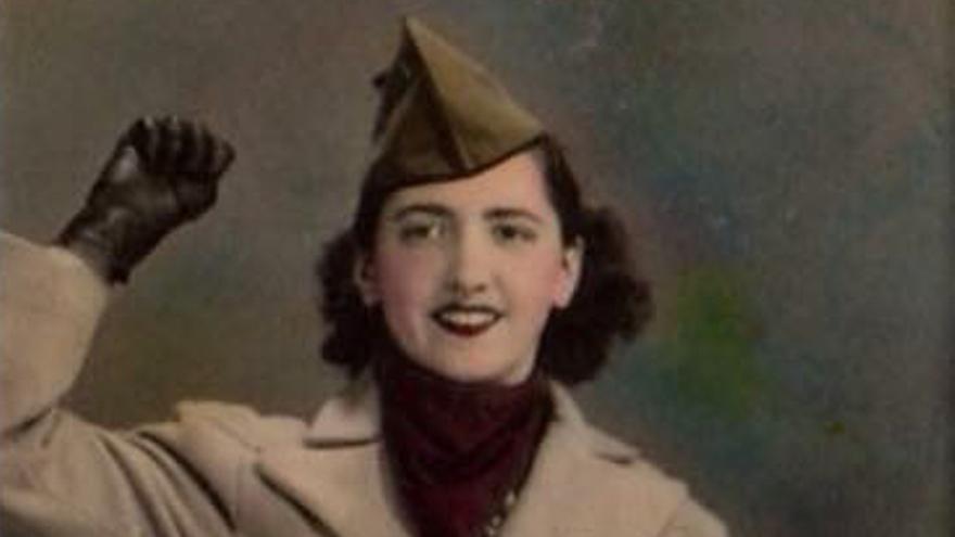 Una emigrant valenciana i el seu fill americà fotografiats als EUA durant la guerra