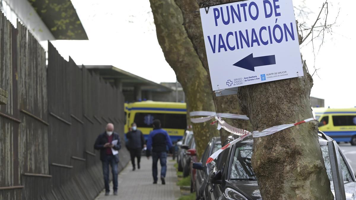 Hospital Marítimo de Oza, en A Coruña, durante la campaña de vacunación contra la COVID-19.