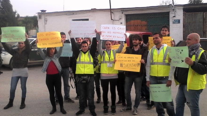 Protestas de animalistas en Cazalilla (Jaén)