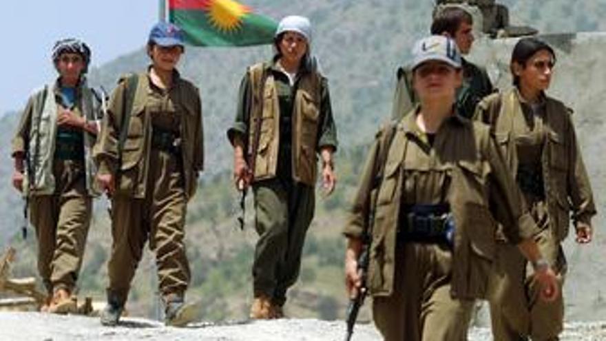 Guerrilleros kurdos del PKK