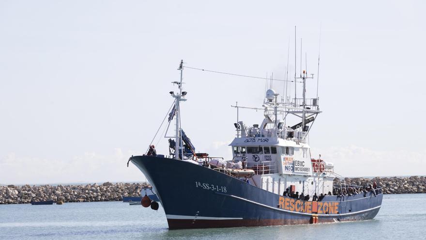 El Aita Mari rescata a 50 migrantes en aguas de Malta