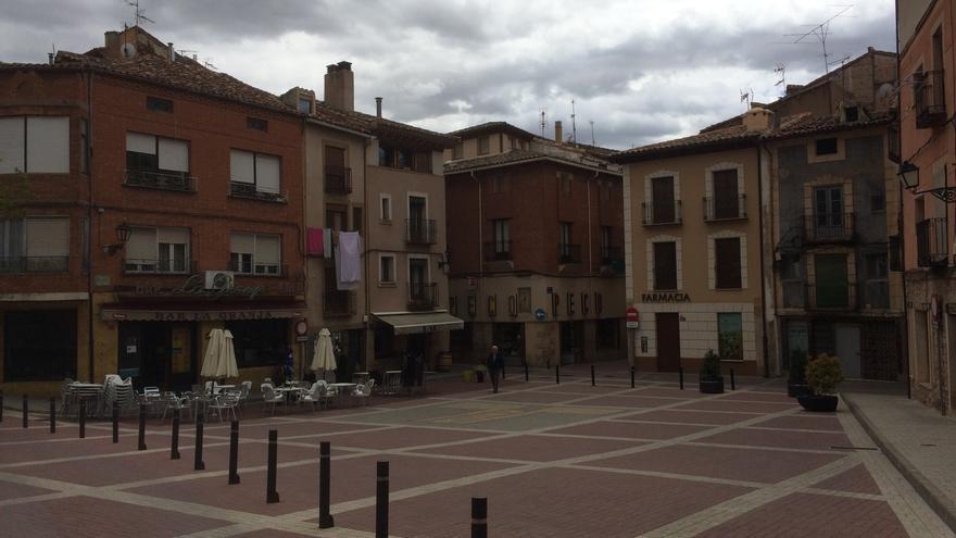 Imagen de varios establecimientos hosteleros en el casco antiguo de Molina de Aragón (Guadalajara)