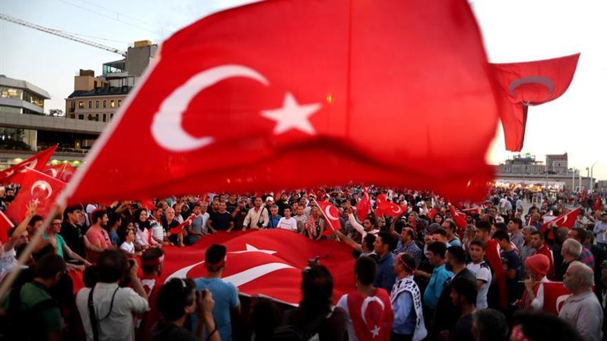Turquía ordena detener a 121 miembros de una ONG humanitaria gülenista