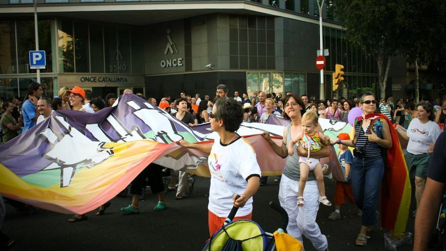 Un grupo de manifestantes en el Pride Barcelona de 2009 / flickr: adriagarcia (CC: by-sa)