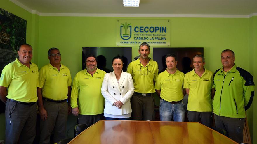 Carmen Brito junto a los miembros del Cecopin.