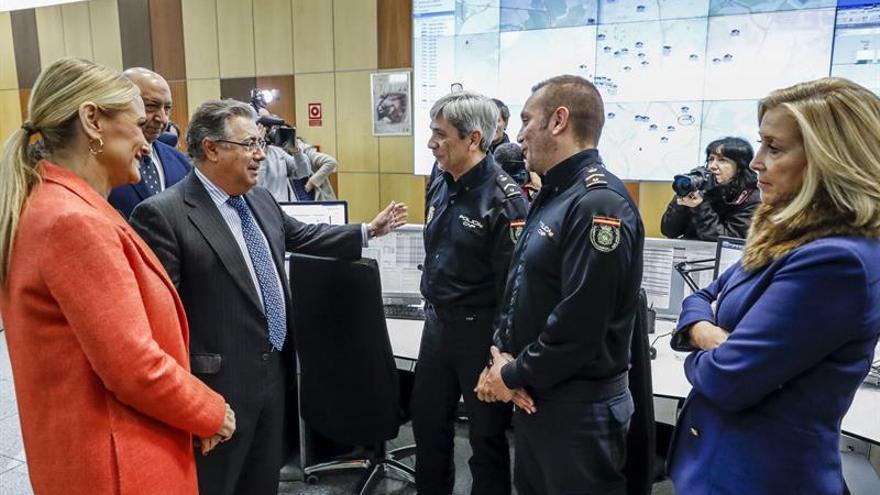 Zoido felicita a la Policía y a la Guardia Civil por garantizar la seguridad en Nochevieja