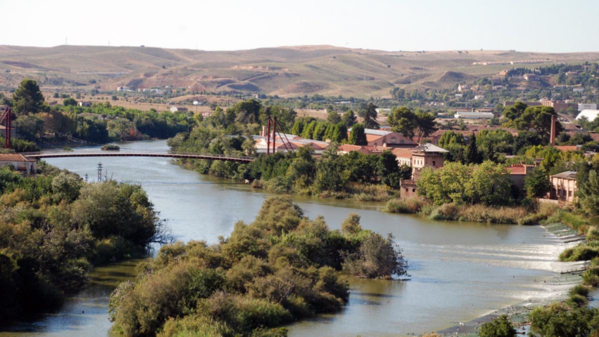El río Tajo a su paso por el Campus Tecnológico de la Fábrica de Armas de Toledo