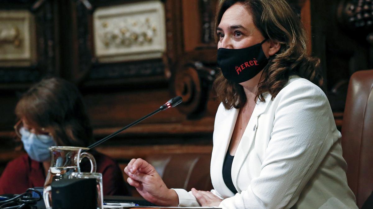 La alcaldesa, Ada Colau, en el salón de plenos