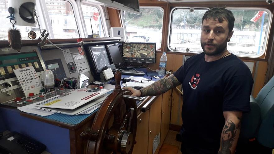Juan Rodríguez es el primer oficial a bordo del Aita Mari, el segundo cargo más importante después del capitán