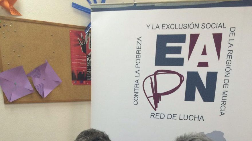 Podemos firma el pacto con EAPN