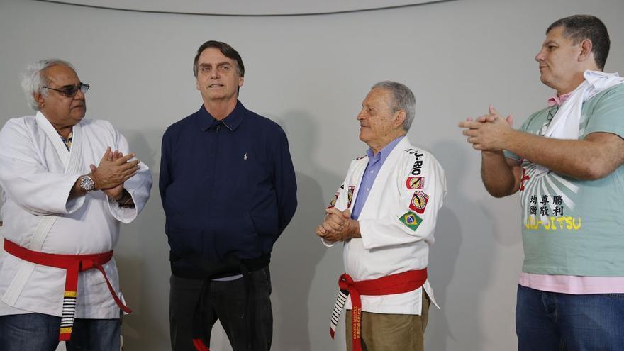 Jair Bolsonaro (PSL), concediendo una entrevista tras recibir el cinturón negro de jiu-jitsu