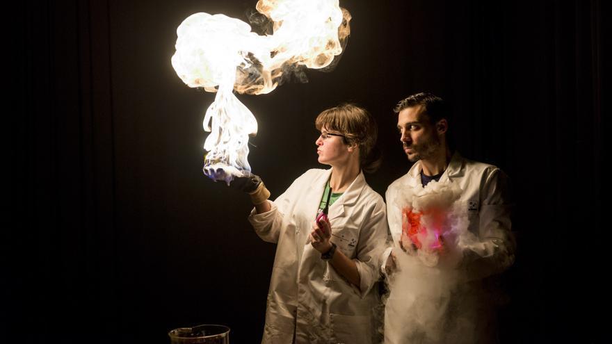 Archivo - Helena González y Oril Marimon del colectivo BigVan Ciencia