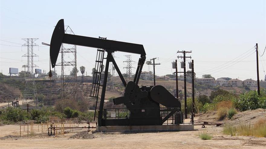 Las reservas de petróleo en EE.UU. bajan en 2,8 millones de barriles