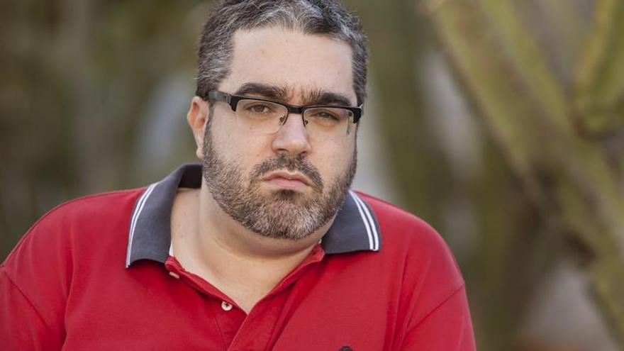 Alejandro Hernández, autor de 'De bipolar a bipolar'. EFE/Ramón de la Rocha