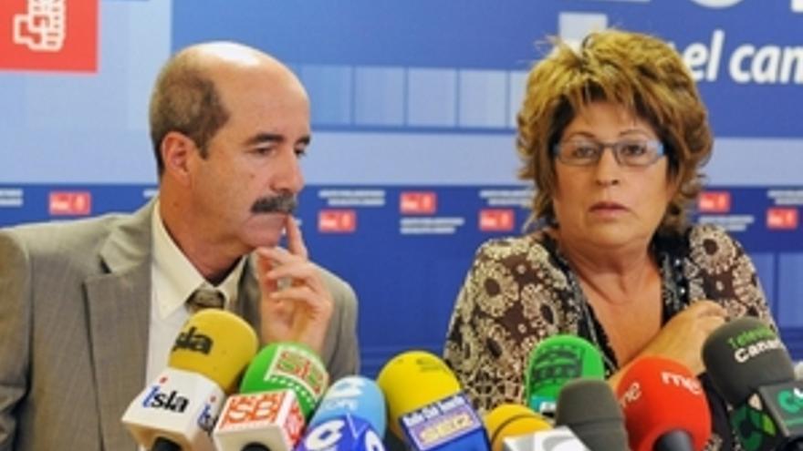 Santiago Pérez con Olivia Estévez. (A FI PRESS)