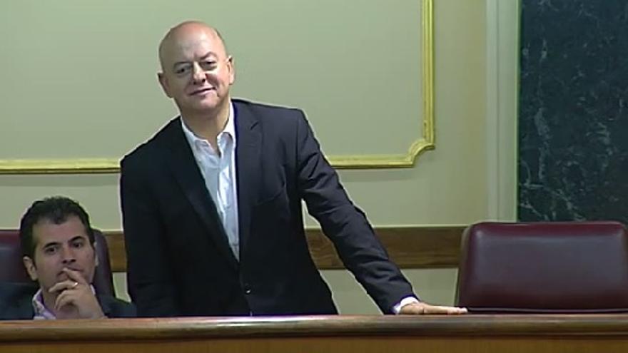 Odón Elorza, diputado del PSOE, durante la votación de la ley de abdicación