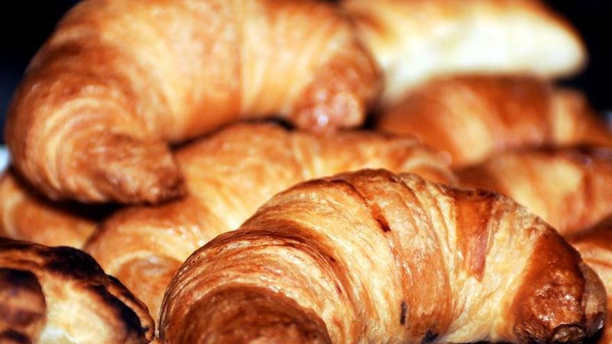 Bruselas adopta normas para limitar al 2 % las grasas trans en alimentos