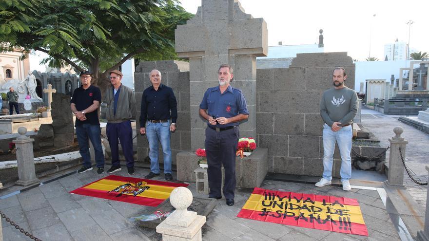 Homenaje a Franco en el cementerio de Vegueta.