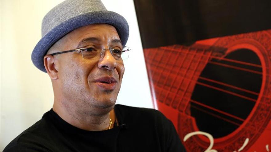 El salsero Isaac Delgado se renueva en su primer álbum grabado en Cuba en 10 años