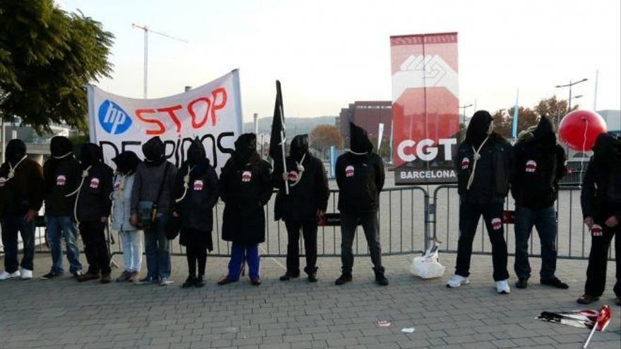 Trabajadores de Hewlet Packard protestan contra los despidos en Barcelona