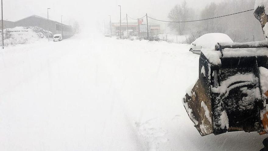 El temporal de frío y nieve ha dejado impracticables multitud de carreteras valencianas