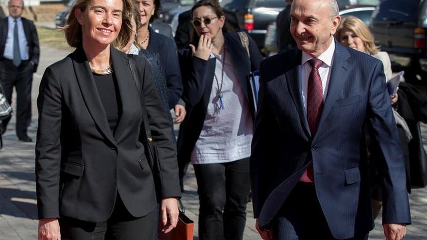 Mogherini promete a Kosovo la exención de visados si cumple condiciones