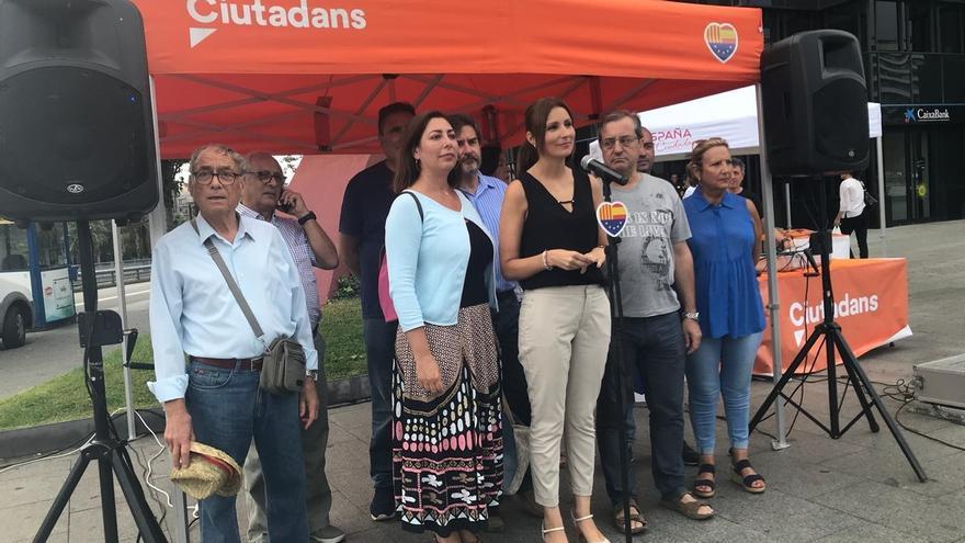 """Lorena Roldán (Cs) insta a Torra a dejar de hacer monólogos y """"dar la cara en el Parlament"""""""