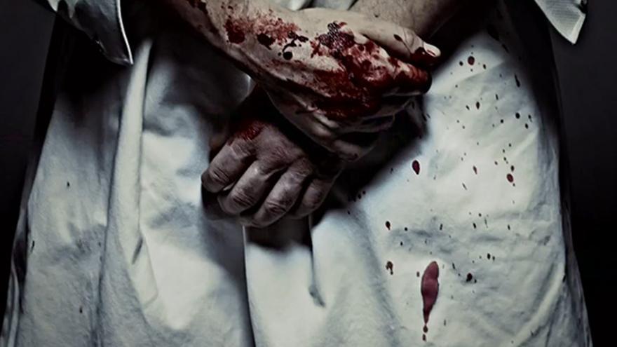 Las manos de Clive Owen son lo menos sangriento de 'The Knick'