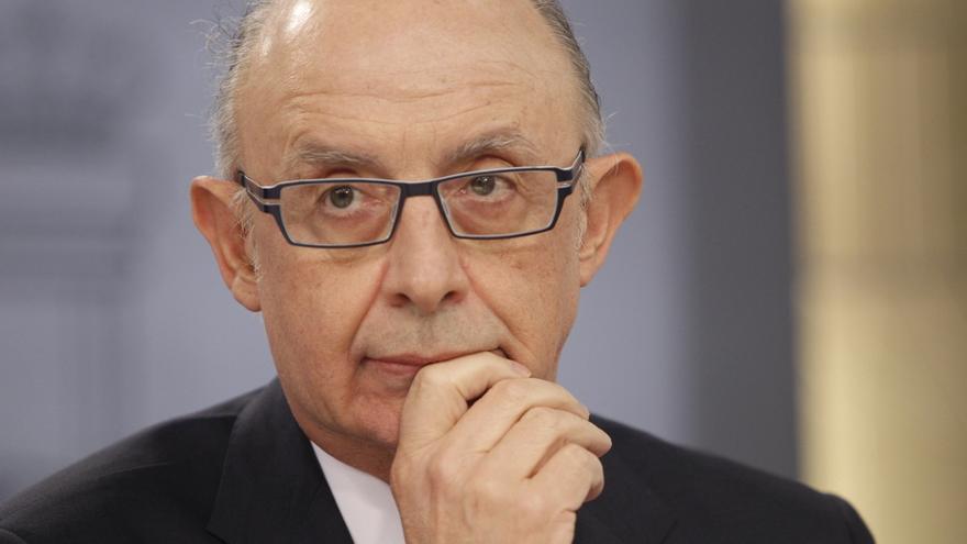 Hacienda tendrá que imputar 1.500 millones al déficit de 2015 por contratos de Cataluña y Zaragoza de 2013