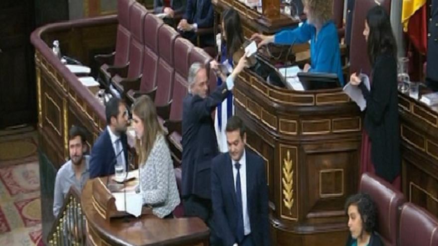 Gómez de la Serna pide la baja en el PP el mismo día que toma posesión de su escaño en el Congreso
