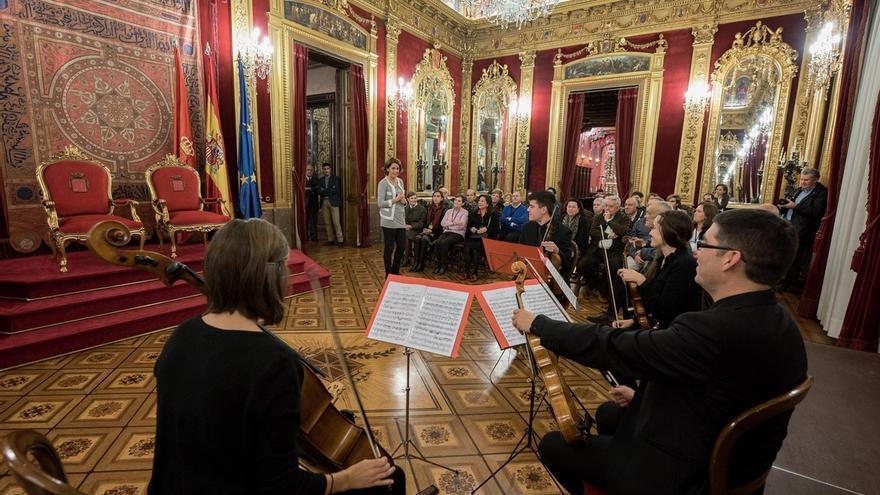 Más de 800 personas han solicitado plaza para las visitas guiadas al Palacio de Navarra