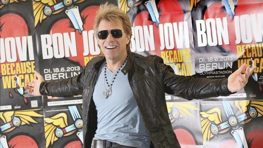 """Boxeadores y romanticismo en el nuevo videoclip de Bon Jovi, """"Because we can"""""""