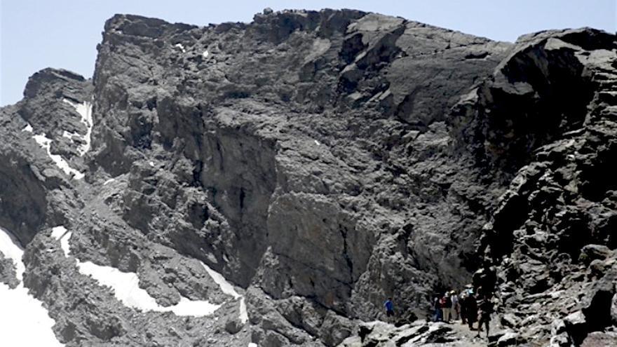 Solo algunas zonas como el Corral del Veleta mantienen permafrost