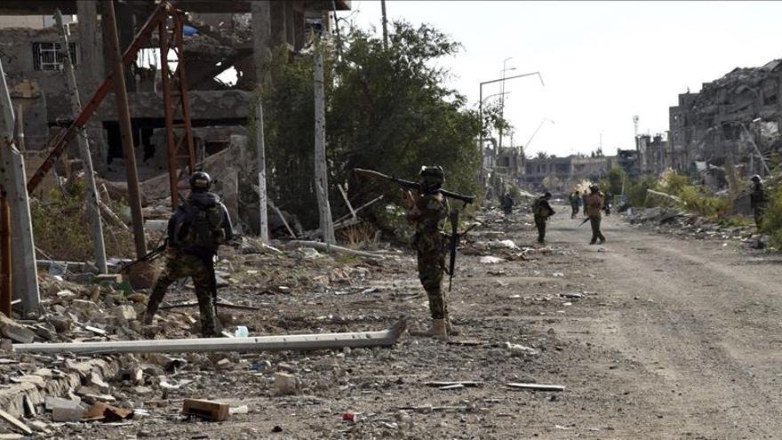 Tropas del Ejército iraquí se despliegan con miras a liberar Mosul del EI
