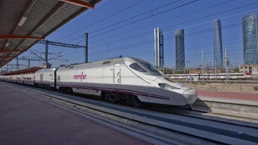 Averías técnicas causan una demora de más de una hora en el tren Algeciras-Madrid y en el Alvia Madrid-Cádiz