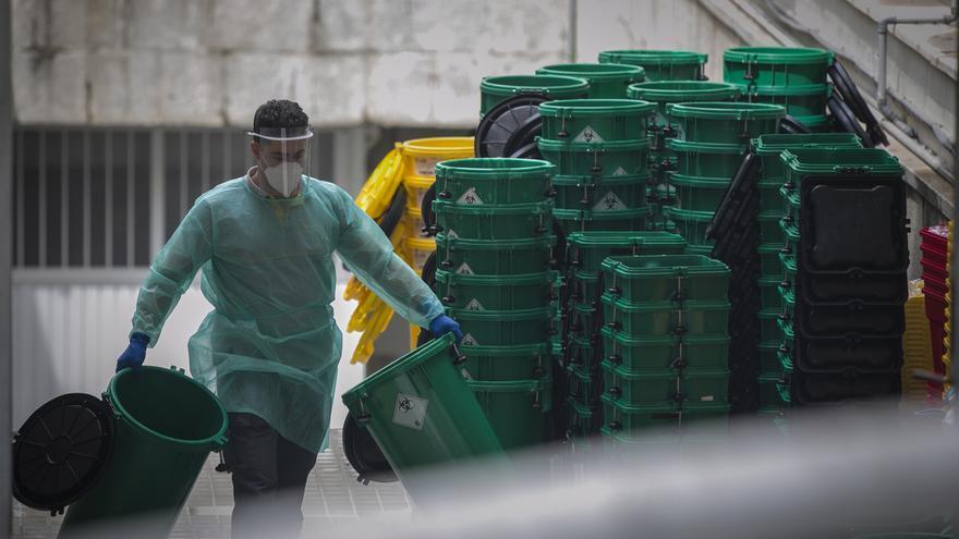 Andalucía suma otras 27 muertes con menor ritmo de contagios y sólo dos pacientes más en UCI