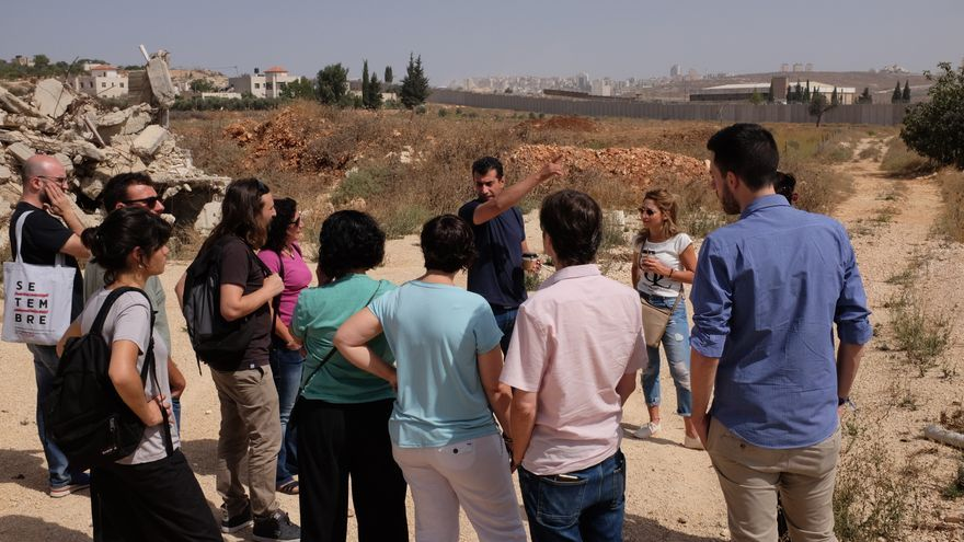 Desde las afueras de Ramallah y el muro