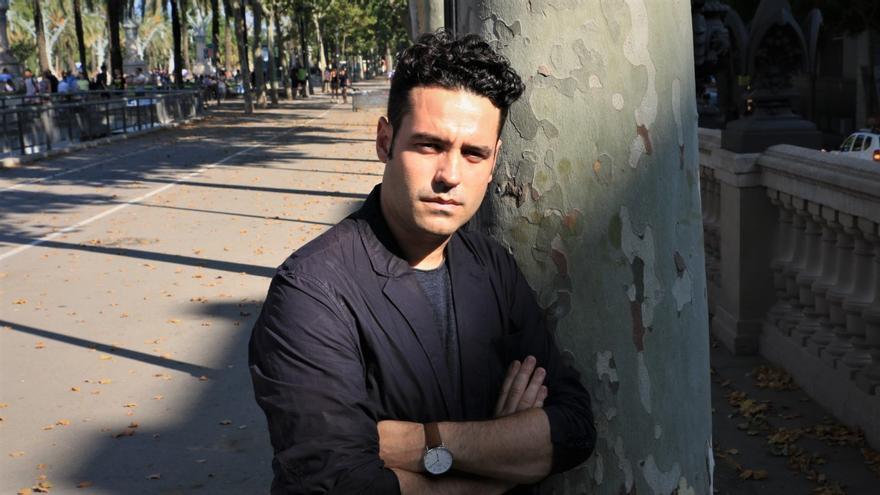 Albert Lladó es periodista y escritor.