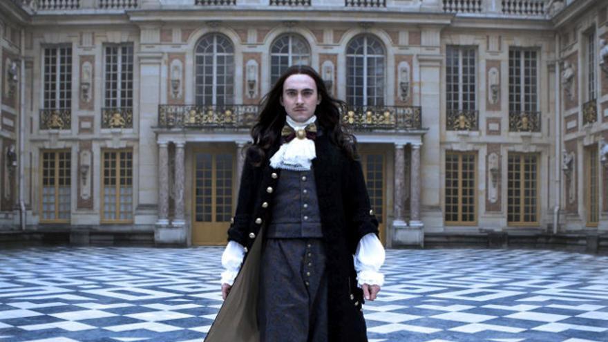 George Blagden, Luis XIV en 'Versailles'