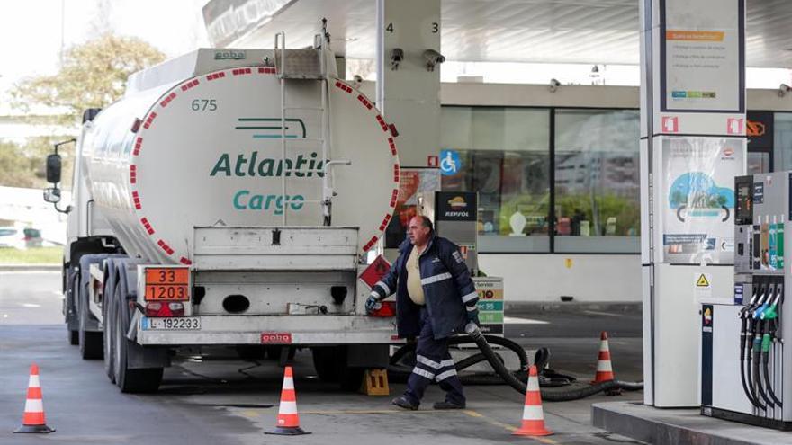 Primeras colas para repostar en Portugal antes de la huelga de transportistas