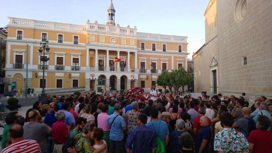 Uno de los puntos de la ruta serán las tapias de la catedral, en la Plaza de España, donde hubo fusilamientos / AECOS