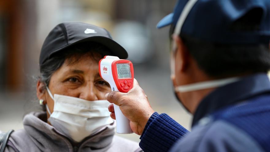 Autoridades de Ecuador recomiendan restricciones en diciembre por la pandemia