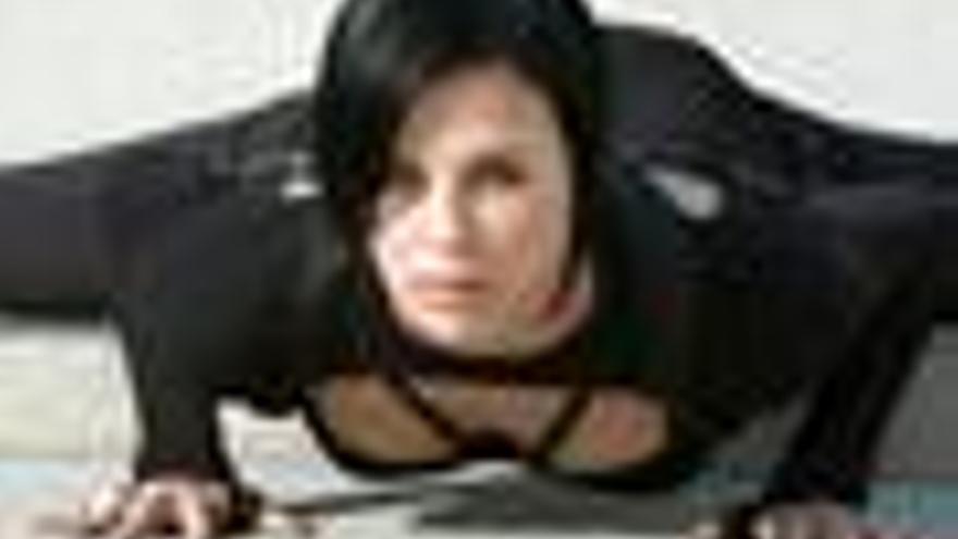 Charlize Theron en Aeon Flux