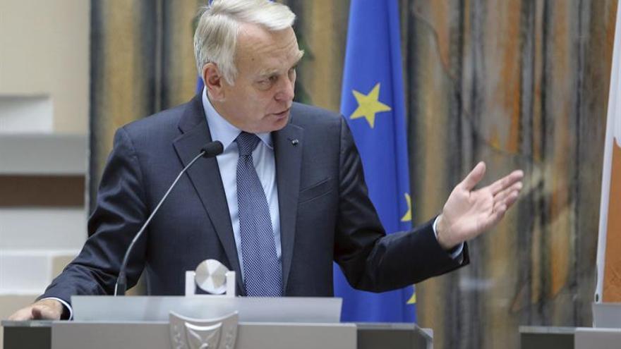 Francia promete su apoyo a Santos y a Colombia para que la paz sea un hecho