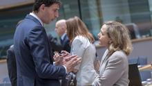 Fracaso en la UE tras 16 horas de reunión: las exigencias de Holanda bloquean las ayudas contra el coronavirus