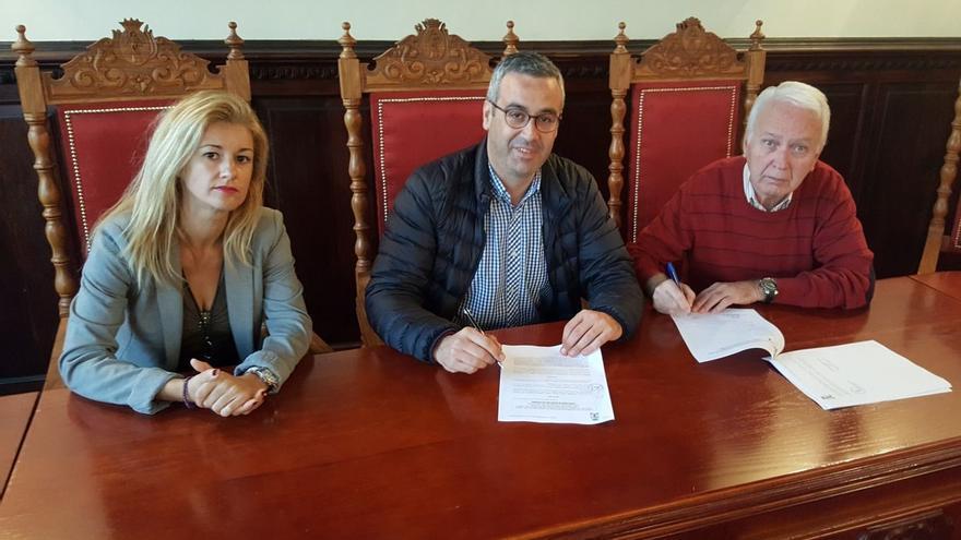 Firma del convenio entre la capital y el Casco Histórico.