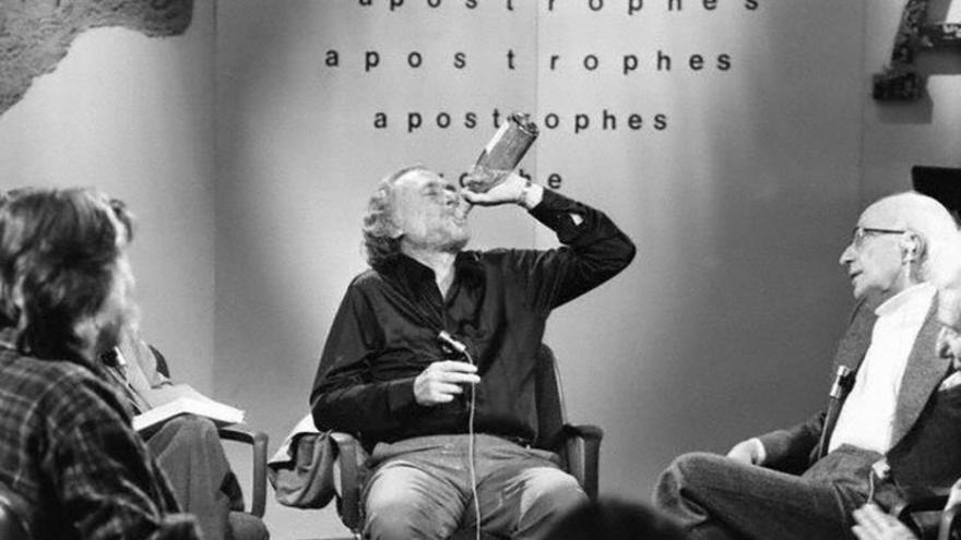 Charles Bukowski, uno de los escritores retratados en el libro 'Etílico'