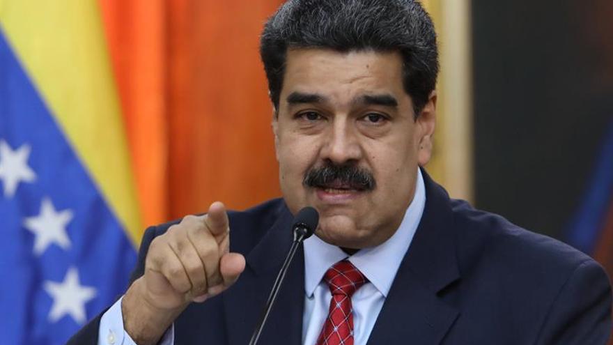 """Maduro dice que Sánchez parece repetir el """"guión de Aznar"""" en el golpe de 2002"""