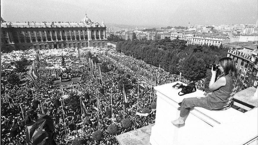 Joana Biarnés en la Plaza de Oriente (Madrid) / Joana Biarnés