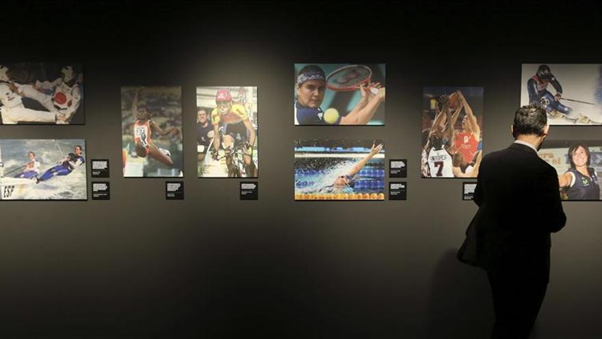 Inaugurada expo de fotos de Efe con los mejores momentos del deporte femenino